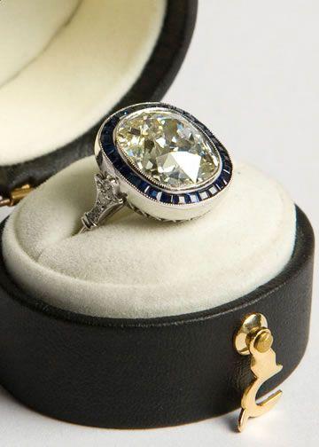 Beautiful Art Deco ring