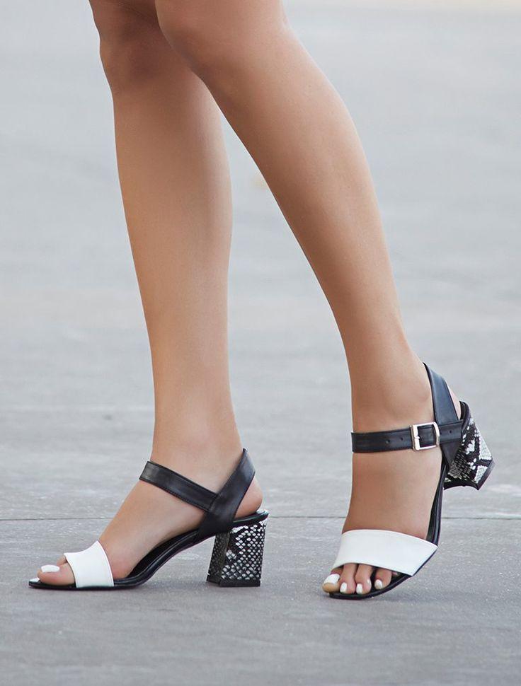 AÇIK BURUN TOPUKLU Dabney Siyah Beyaz Yılan Kombin Topuklu Sandalet