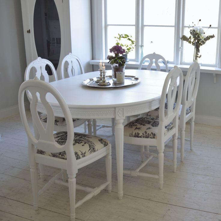 Underbar matgrupp Svenska modellen med 4 stolar