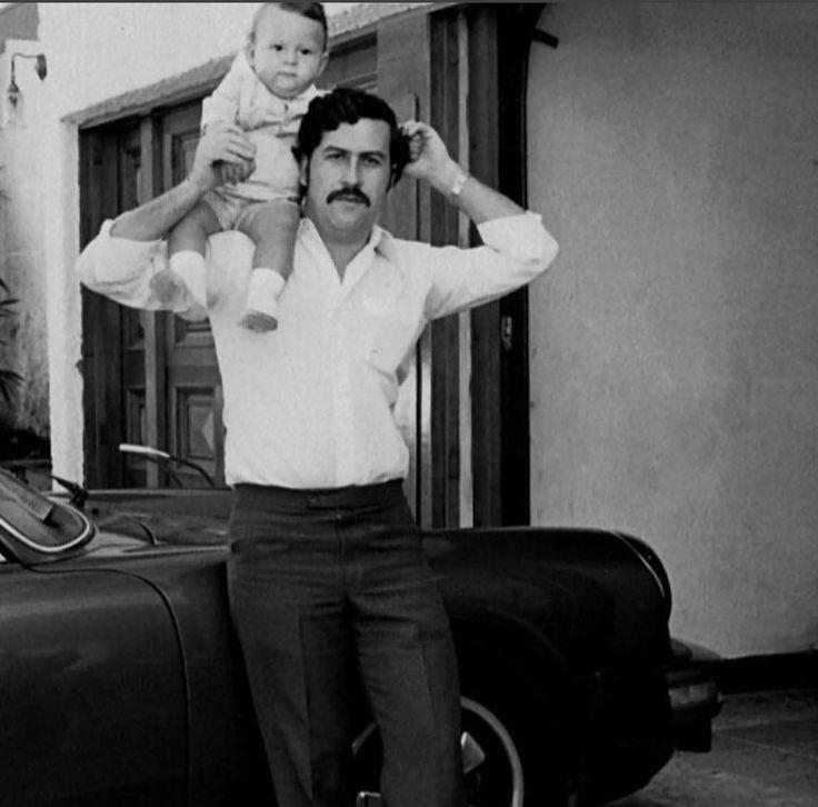 Pablo Escobar também está te desejando Feliz Dia dos Pais