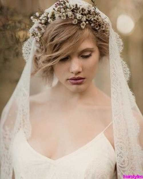 The 25 best short hair bridal styles ideas on pinterest short the 25 best short hair bridal styles ideas on pinterest short wedding hairstyles short bridal hairstyles and short bridal hair junglespirit Image collections