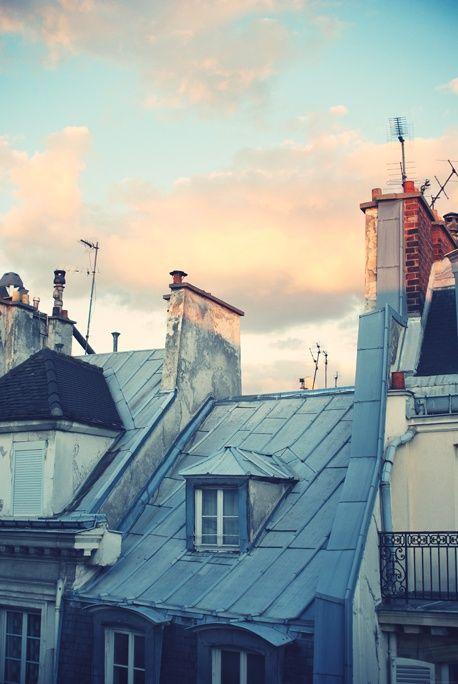 Paris rooftops and pastel skys  Plus de découvertes sur Le Blog des Tendances.fr #tendance #travel #travelblogger #blogueur