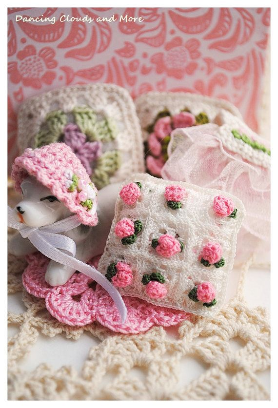 Dollhouse Miniature Accessories Dollhouse Rose Pillow