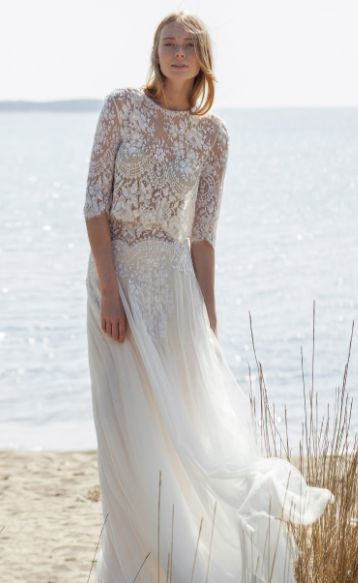 a two pieces dress on your wedding day?