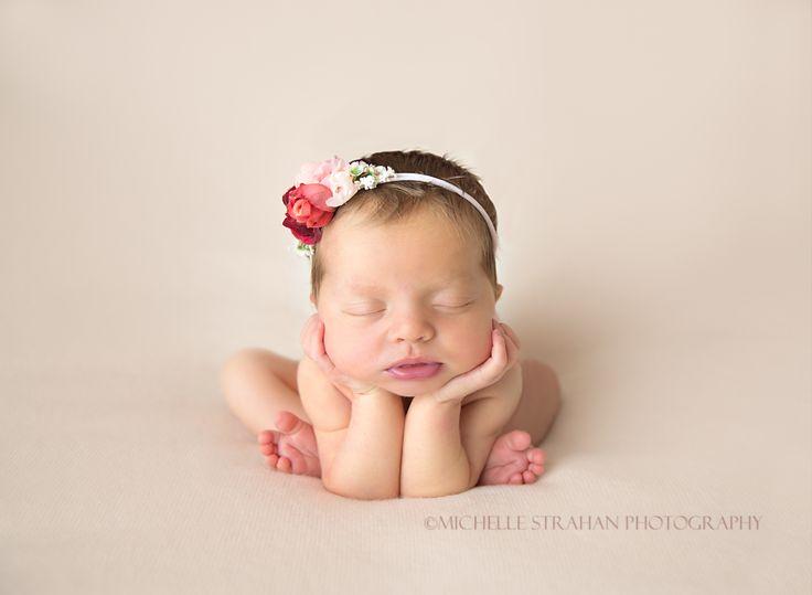 Newborn poses froggy pose newborn photography