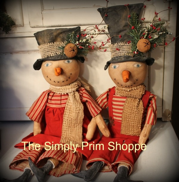 2 Perfectly prim snowmen  that I handmade for the holiday season. I just love how they turned out. http://thesimplyprimshoppeprimitives.blogspot.com
