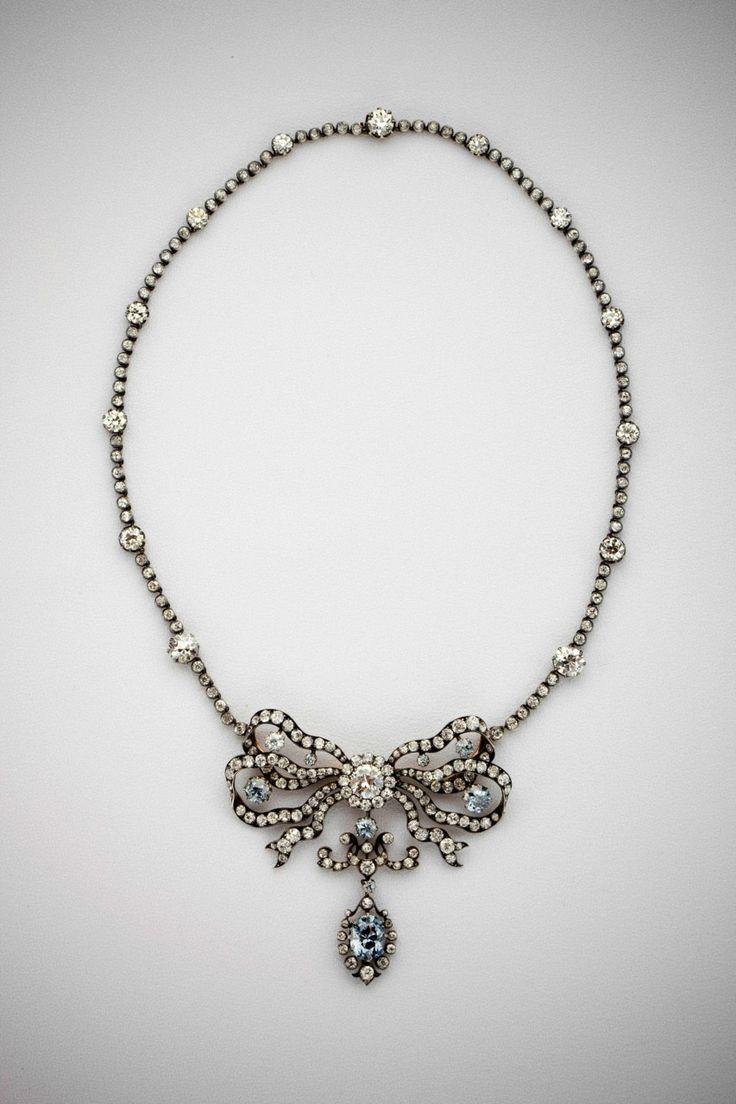 Jewelry Diamond : { The Cullinan Blue Diamond Necklace }
