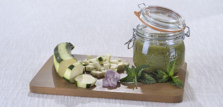 Soupe froide de courgettes à la menthe fraiche en conserve
