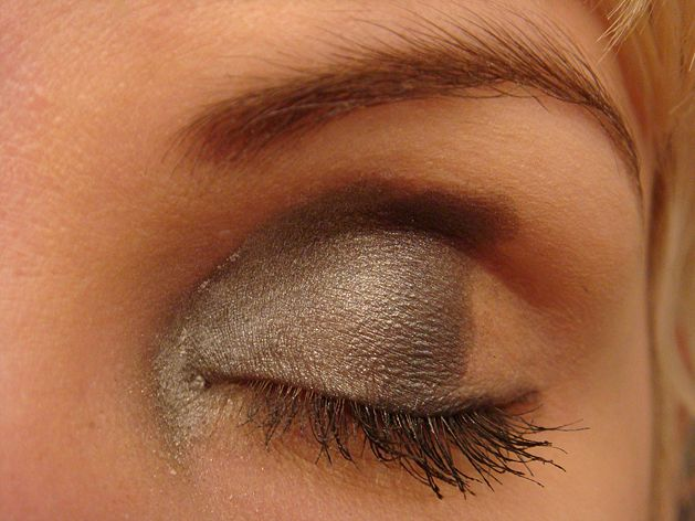 After fifty, a lady needs to change the way she applies makeup. Heavy eyeliner was once attractive in younger times and leave neon eyeshadows to adolescents. Too much eye makeup and shiny, reflective eyeshadow can actually make you look even older! Eye makeup for fifty and over doesn't require a lot of skill. The following tips will assist in eye makeup application for women over fifty.  From Wikihow.com