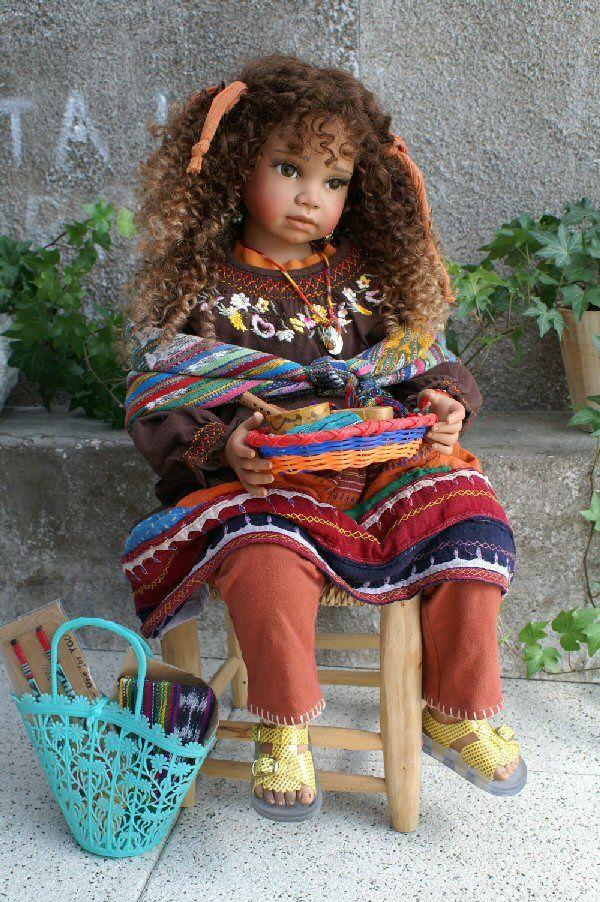 Beautiful Morocco doll   - Maroc Désert Expérience tours http://www.marocdesertexperience.com