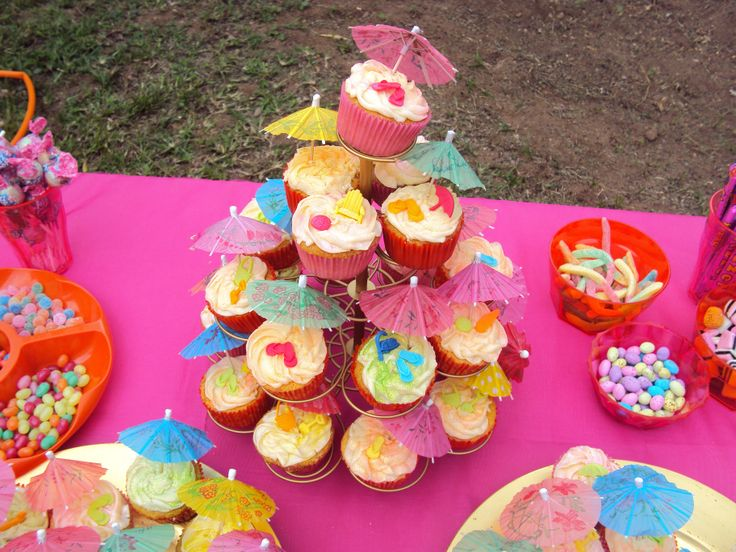 Pool/ beach party cup cakes
