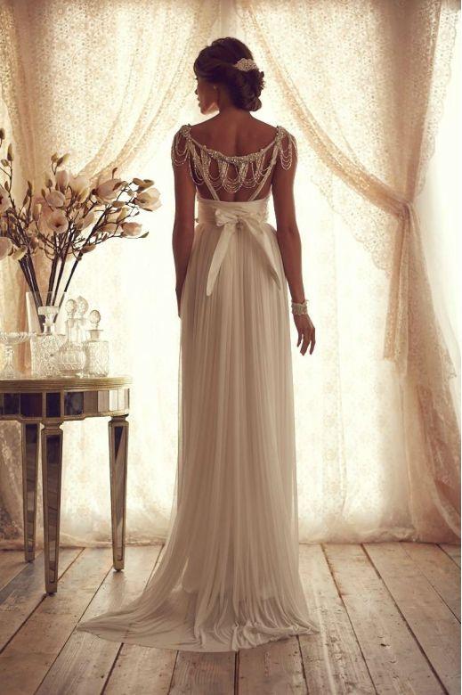 Beautiful Anna Campbell wedding dress