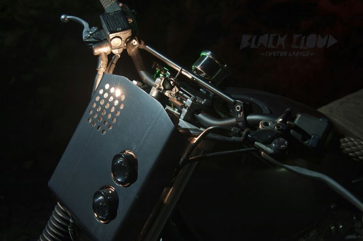 Také milujete detaily? / Do you love details just as much? 🔧 #detail #details #moto #motorka #motorbike #motorcycle #blackcloud #caferacer #caferacerporn #new #instagood #instadaily #czech #czechboy #brno #picoftheday #photooftheday #caferacerczech #garagelife #customizedmotorcycles #caferacerstyle