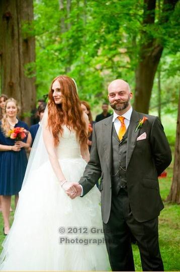 Elizabeth Kabler wore our Stone Fox Bride silk flower