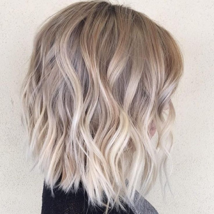 choppy blunt waves | bob | ash blonde || habit stylist @hairby.alisha