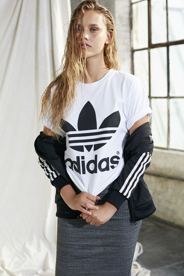 adidas Originals Double Logo Tee - Urban Outfitters in size XS