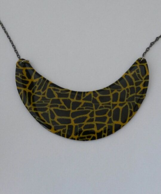 black and gold original handmade necklace by PolySanAntoni on Etsy, €7.00