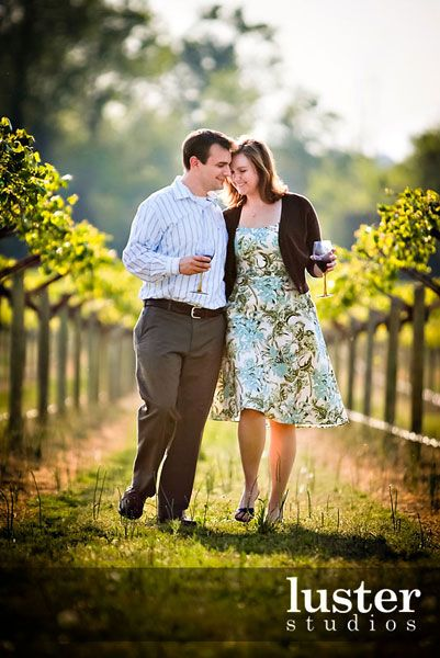 engagement photos vineyard winery