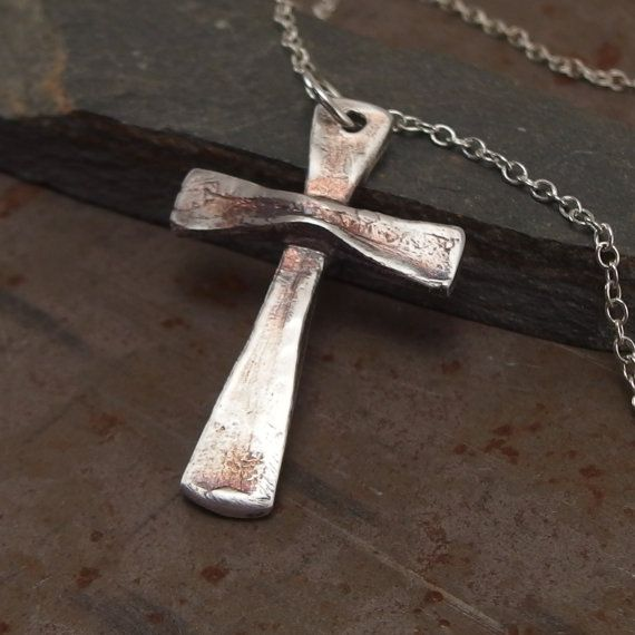 Sterling Silver Cross Handmade Christian Cross Necklace por Trijoux