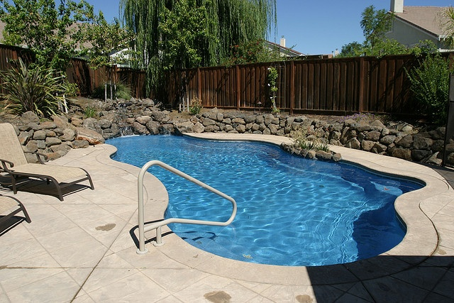 32 best pool ideas images on pinterest fiberglass pools for Pool design examples