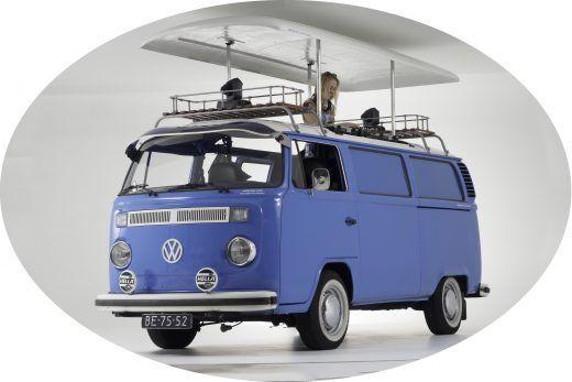 Een DJ bus op jouw Bruiloft, zoals deze Blauwe  ?