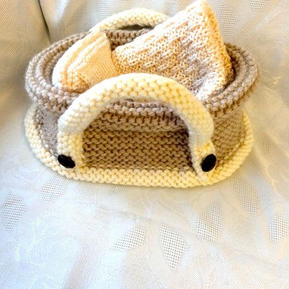 Baby Doll in Crib par HuggableBears sur Etsy