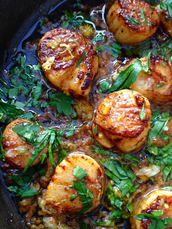 Garlic Scallops by ciaflorentina: Healthy and quick. #Scallops #Garlic #Lemon #Parsley #Red_Pepper_Flakes #Paprika #Healthy
