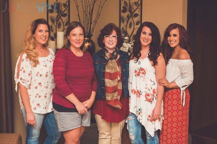 """214.5k Likes, 497 Comments - Chelsea DeBoer (@chelseahouska) on Instagram: """"All of us girls with our momma its been so long since we have all been together! :…"""""""