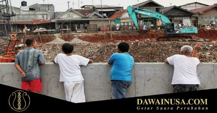 Eks warga Kampung Pulo di Rusun Jatinegara Barat harap-harap cemas lantaran persyaratan perpanjangan sewa harus melunasi tunggakan.