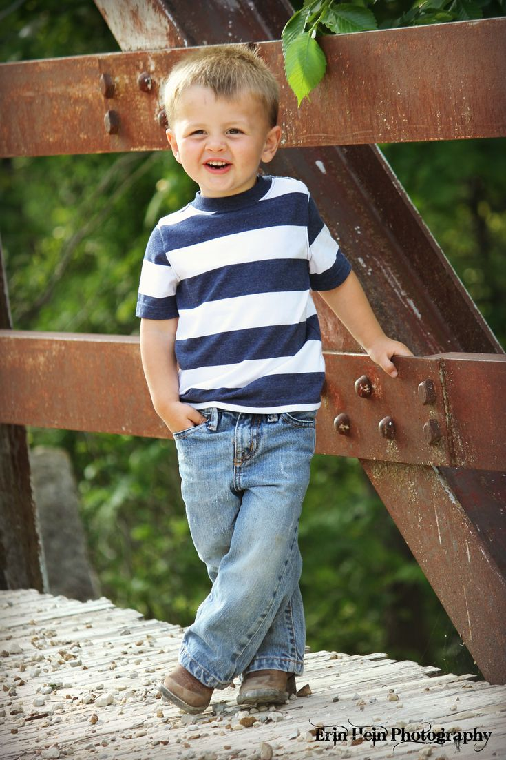 This is what I want to dress my little boy all the time.  Simple and classic.