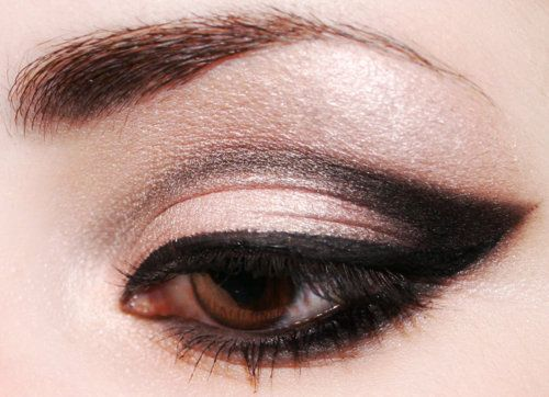 dramatic all the way: Make Up, Eye Makeup, Cat Eyes, Style, Eyeshadow, Cateye, Eyemakeup, Beauty, Hair