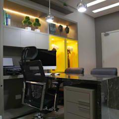Consultório Médico para Urologista!: Escritório e loja  por Suelen Kuss Arquitetura e Interiores