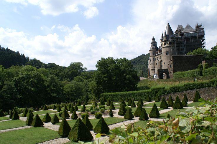 Schloss Bürresheim in Märchenschloss in der Eifel. Rumpelstilzchen wurde hier gedreht. #Bürresheim #Märchenschloss #Eifel