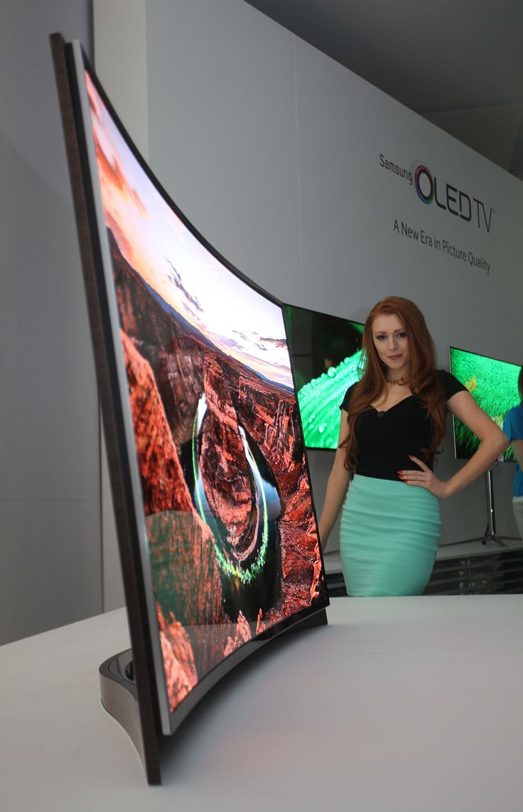 Samsung now says that they have no plans to launch regular non-curve OLED TVs in 2013.
