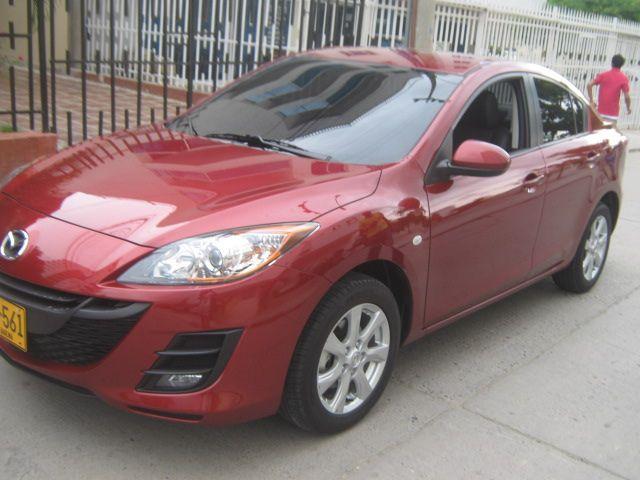Mazda 3 all new, cojineria en cuero negra.