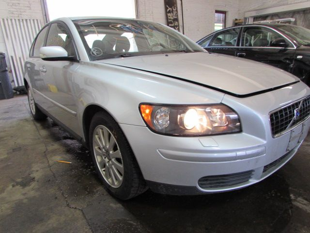 Parting out 2005 Volvo S40 – Stock # 150174 « Tom's Foreign Auto Parts – Quality Used Auto Parts - Every part on this car is for sale! Click the pic to shop, leave us a comment or give us a call at 800-973-5506!