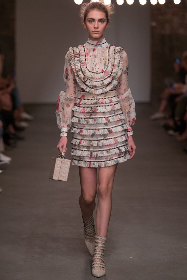 Zimmermann Spring 2016 Ready-to-Wear Collection Photos - Vogue#1#2