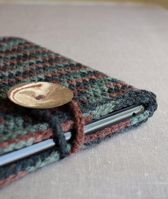 iPad Case in Black Green Brown  Crochet iPad Sleeve by natalya1905, $39.00