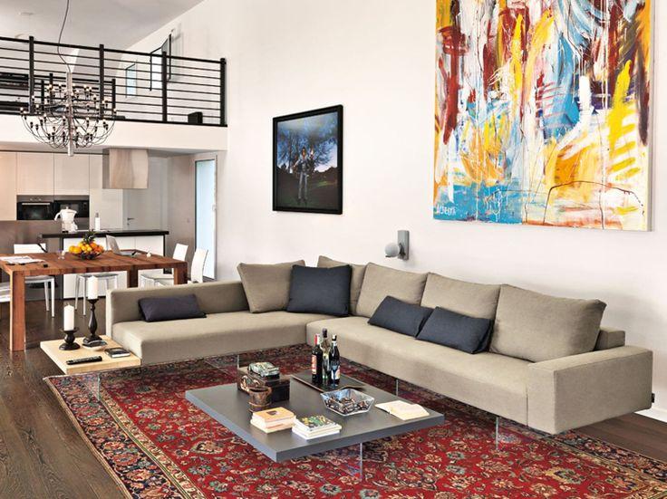 großzügiges Ecksofa in neutralen Farben für Wohnzimmer
