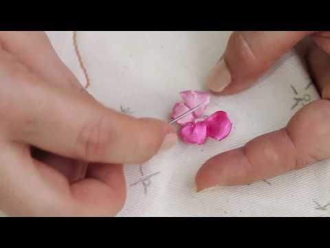Mariposas boradas en cinta en cuadro decorativo / Embroidered butterfly on ribbon - YouTube