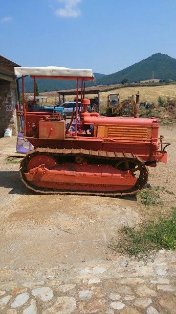 Old caterpillar cool! Maremma