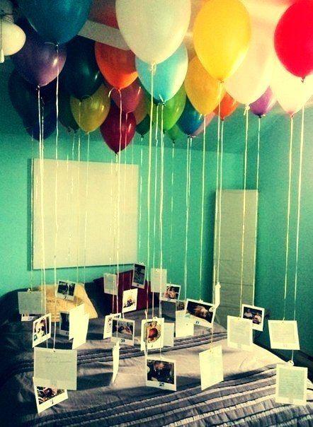 Ballon plafond + photo accrochée