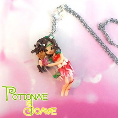 This necklace with a lovely Potionae Soave fairy has been made entirely by hand, without the aid of any mold and nothing has been painted: i...