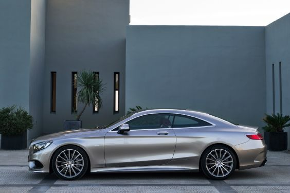 2014 Mercedes Benz CL600 driver side in motion