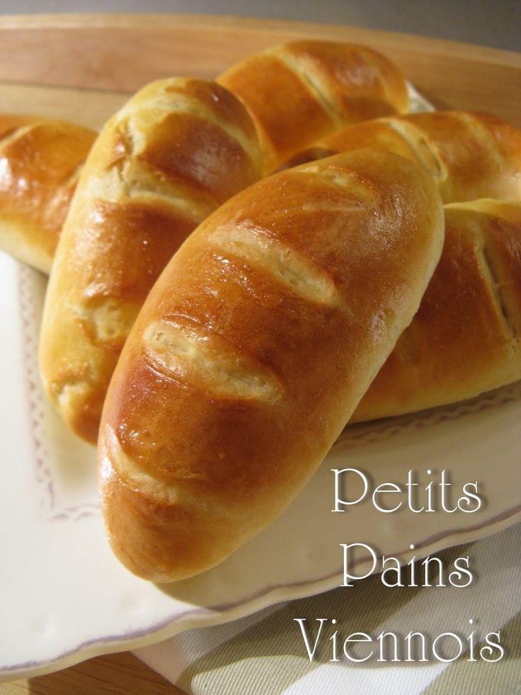 Aucune modification à apporter, cette recette est super! le goût de ces petits pains est en tout point identique à celui de ceux que je peu...