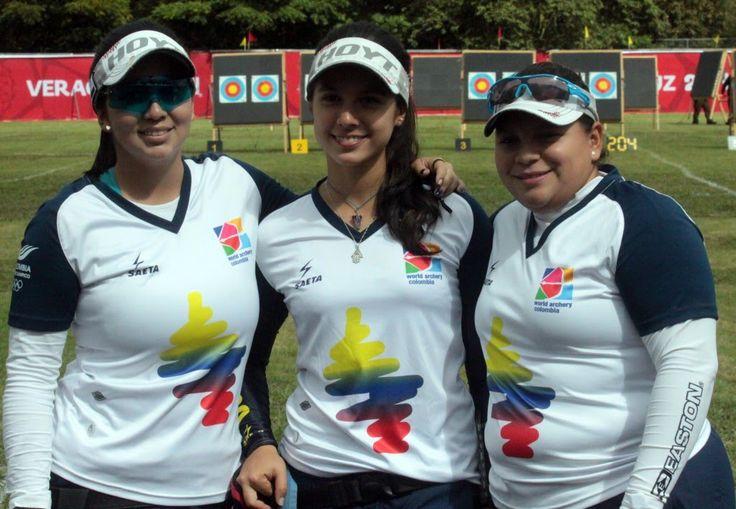 El torneo de arquería de los XXII Juegos Centroamericanos y del Caribe Veracruz 2014 inició este jueves en Xalapa y Colombia se adjudicó tres medallas de plata y una de bronce, en la modalidad por equipos en ambas ramas y en los dos tipos de arcos: compuesto y recurvo.