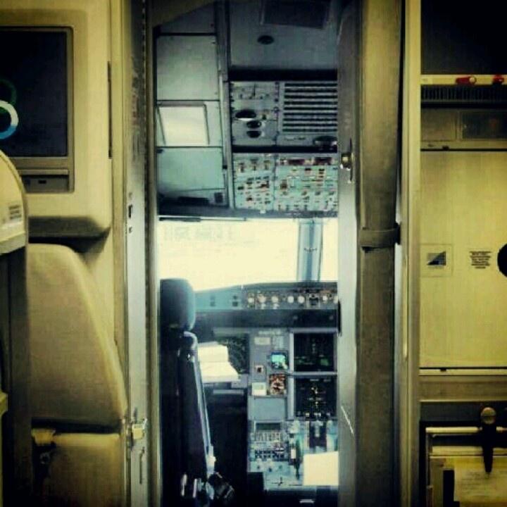 SX-OAU A320