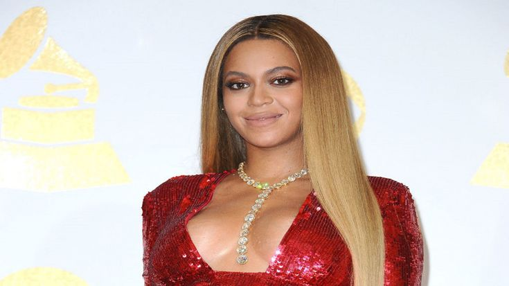 "Black #Cosmopolitan Beyoncé Is The Highest Paid Woman In Music   #Adele, #Beyonce, #Entertainment, #Lemonade, #Music, #MusicIndustry, #TaylorSwift, #TheLionKing          Photo Credit: Getty Images Beyoncé  has been crowned as the highest paid woman in music, according to Forbes. Yonce' reportedly made $105 million before taxes between June 2016 and June 2017. Bey's ""Formation Tour"" grossed $210 million in ticket sales last year, which helped land her in th..."
