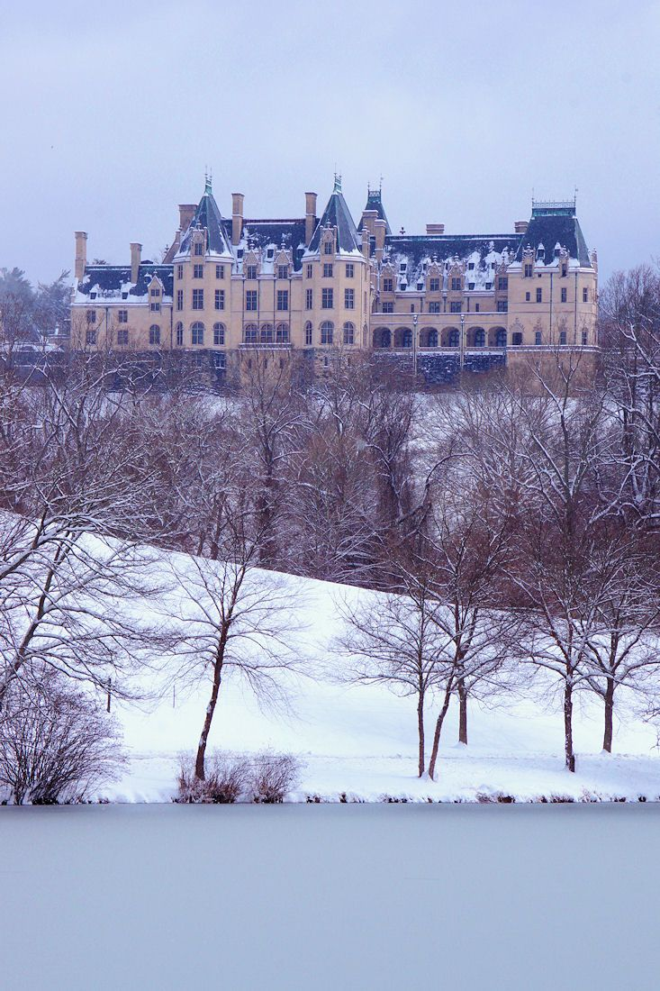 #Biltmore House in the snow in Asheville