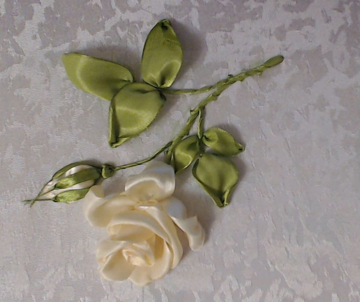 Вышивка лентами розы (стебель, листья, бутон) Embroidery ribbons rose (s...
